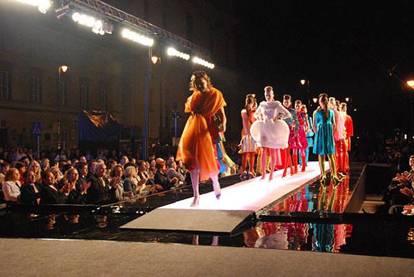 fashion_tv_pokaz_mody_prada-4